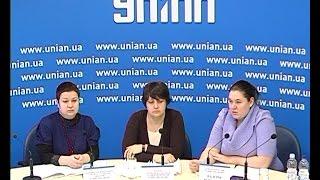 В Украине фиксируется ухудшение отношений между местным населением и переселенцами из зоны АТО