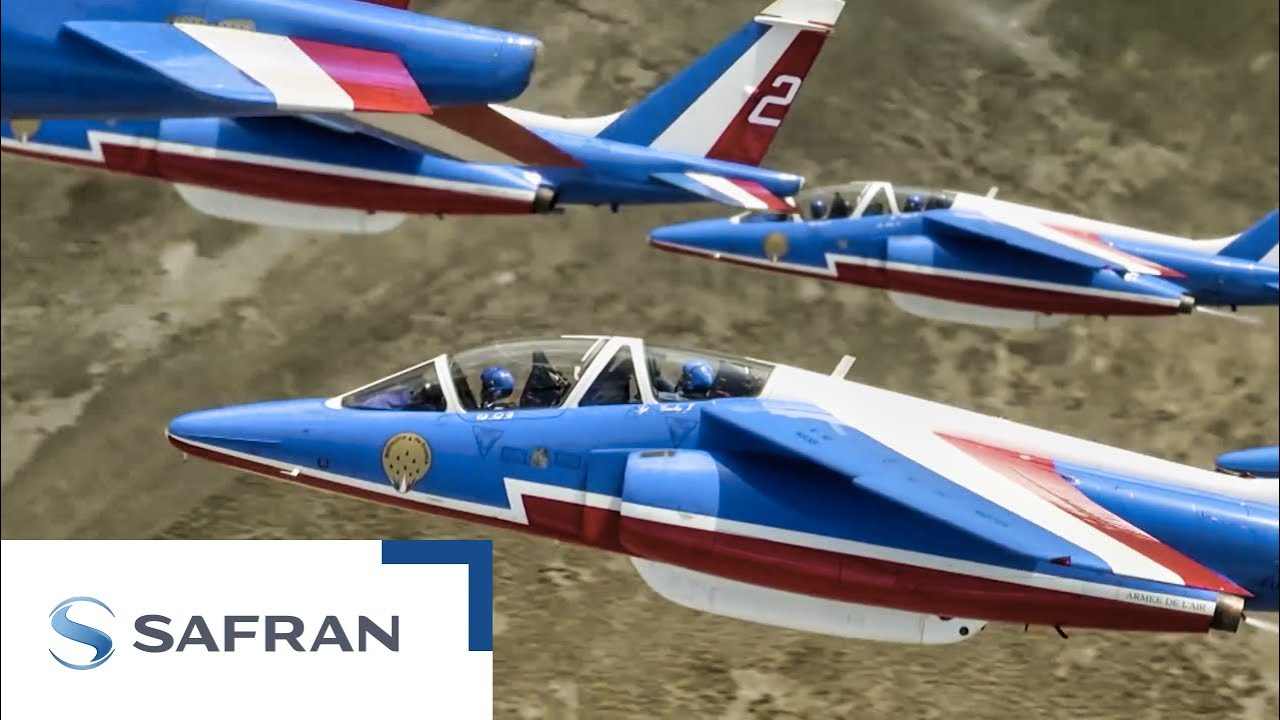 Safran et la patrouille de france le film youtube for Porte ouverte patrouille de france salon