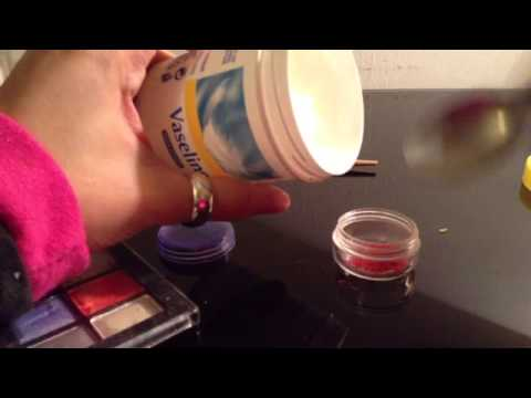 Faire un gloss rouge maquillage maison youtube - Faire son maquillage maison ...