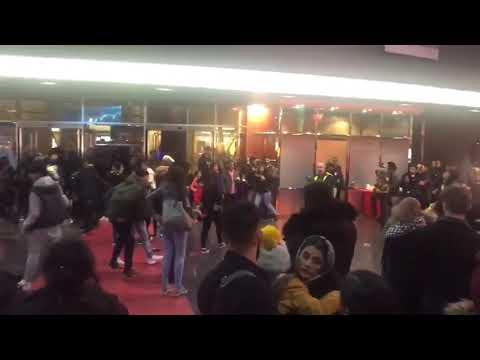 Massive Brawl In Birmingham Cinema - Score Of Police Arriving.