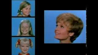 4 year old sings the brady bunch theme