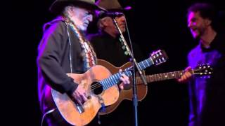 Willie Nelson & Merle Haggard - Pancho and Lefty