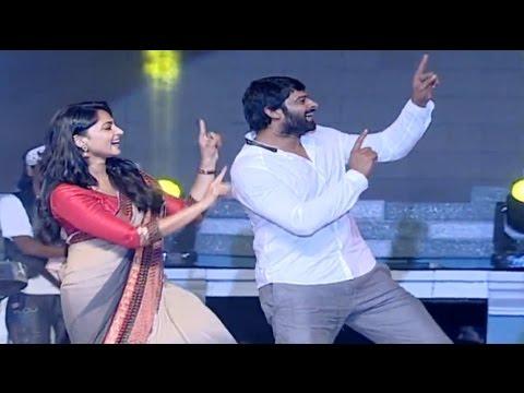 VIDEO : Prabhas Dance On Stage  - Anushka Shetty - SS Rajamouli - Baahubali 2 Trailer Released