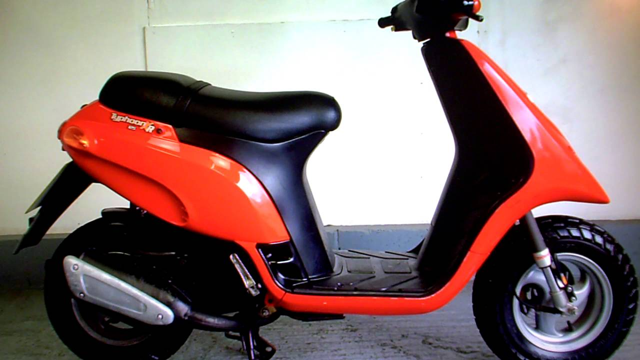 piaggio typhoon 125 just 900 miles fsh (low cost delivery options