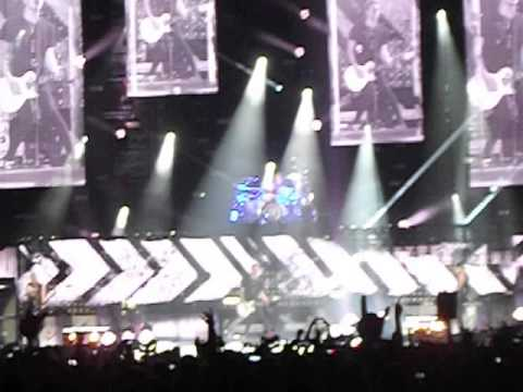 5SOS - Opening + End up Here (4-05-2015 Meo Arena, Lisbon, Portugal)