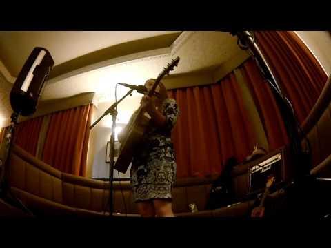 Charlotte Grayson - CLEAN - The Marine Hotel (July 2016)
