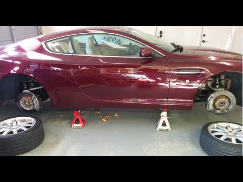 Putting you Aston Martin DB9 onto Jack Stands