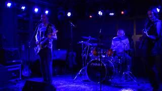 Смотреть видео Exaltant - Молодой [концерт 11.08.19 Москва] онлайн
