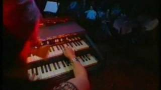 Barbara Dennerlein on Hammond B3 Organ does a jazz classic