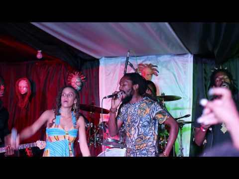 Kabaka Pyramid, Koro Fyah & Racquel Jones freestyling at Kelissa Live (Skyline Levels)