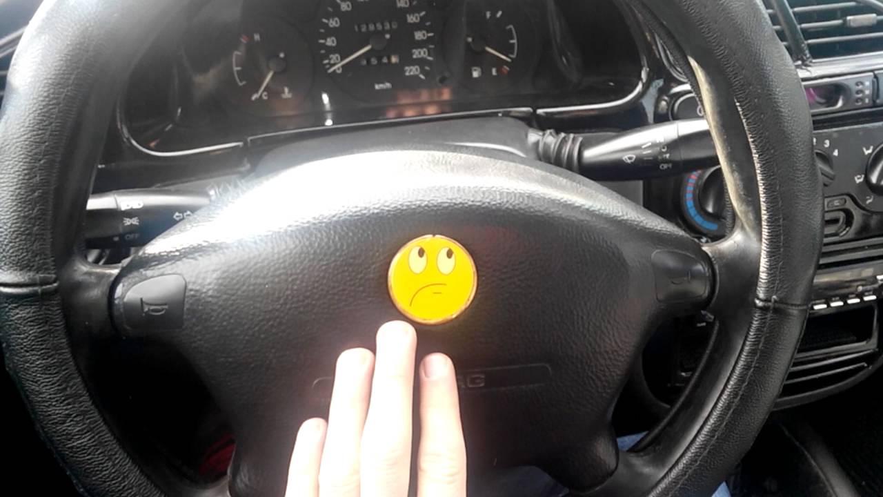 08/2011. Opel astra. Звуковой сигнал. 97. Подушка безопасности водителя. Удерживайте h нажатой до пол‐ ного закрытия. 4-дверный.