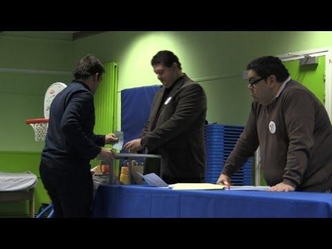 Primaire organisée par le PS: ouverture des bureaux de vote