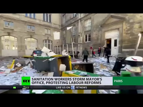 One man's trash is another man's labor | Paris hit by garbag