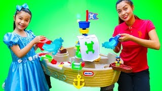 Hana Pretend Play with Pirate Ship Water Play Table Toy for Kids