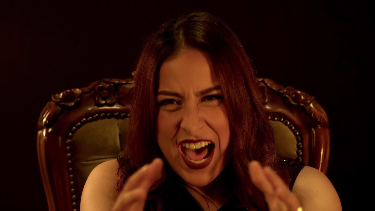 Claudia Santos- Sin Tropezar (Video Oficial)