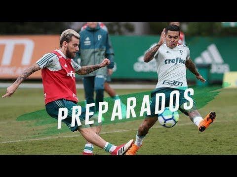 Roger trabalha bolas aéreas e triangulações antes de duelo contra o Botafogo