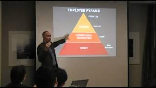 従業員満足: チップ・コンリー氏の講演