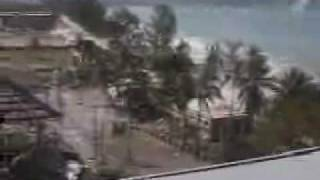 Patong Beach Tsunami Raw Video (2004)(Raw Tsunami Video Patong Beach 2004., 2009-07-05T20:56:32.000Z)