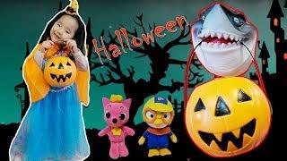 할로윈 귀신이 사탕을 뺏어가요! 뽀로로 루피 핑크퐁 상어 사탕나눠주기 놀이~귀신이야기 사탕귀신 Halloween Video Ghost 리틀조이