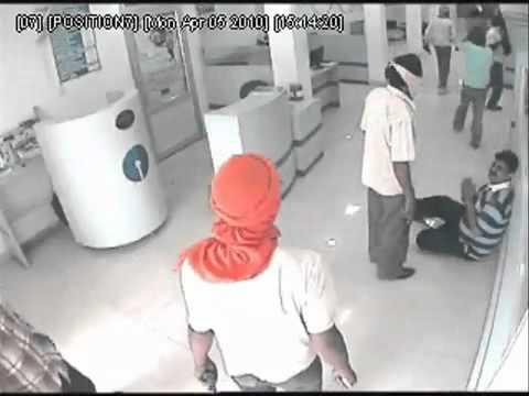 - Live Bank Robbery in Chandigarh Road, Ludhiana, Pu - www.bhaskar.com.flv