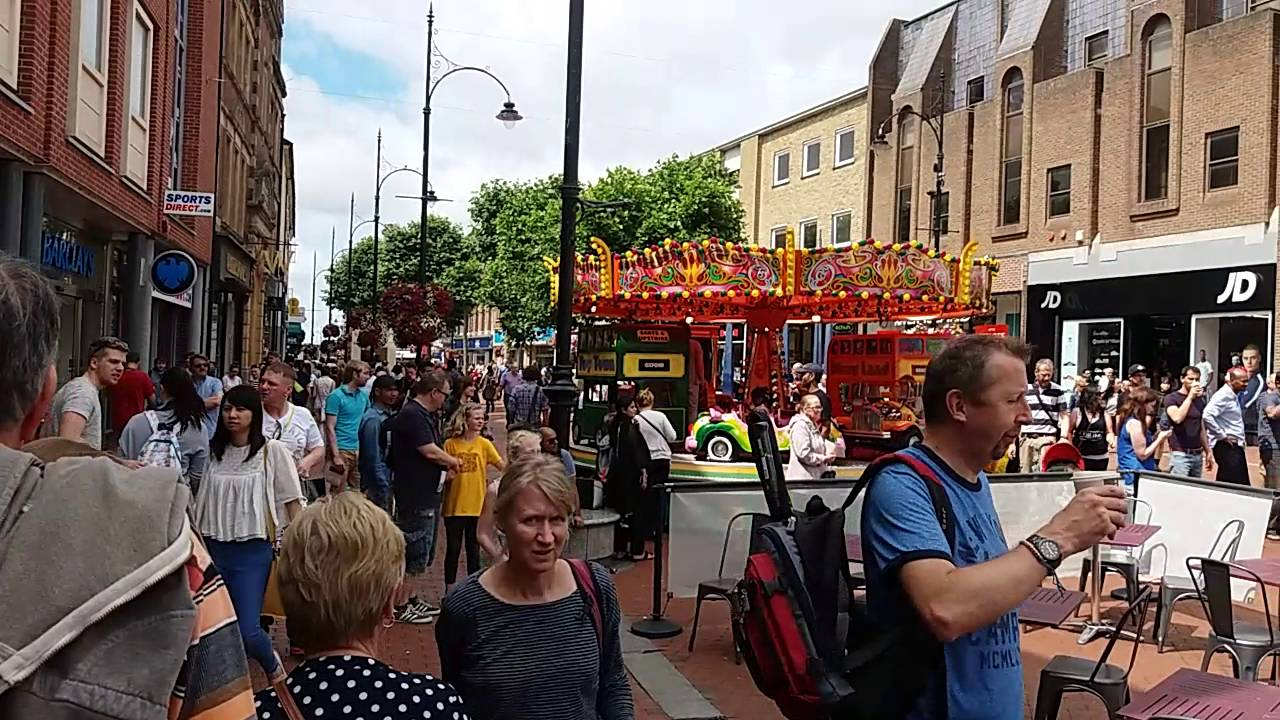 Reading Town Centre People Events And Shops England
