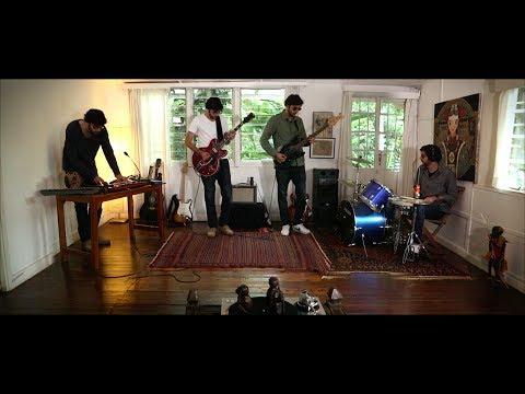 Cosmic Analog Ensemble -   En Faction feat. Medline Mp3