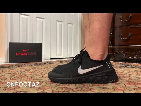 nike-cruzrone-triple-black-on-foot