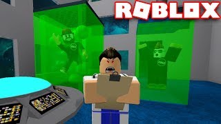 CRAZY SCIENTIST EXPERIMENTING ON US in ROBLOX LAB EXPERIMENT