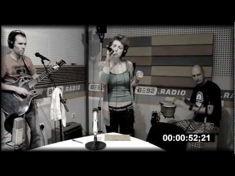 Sin Seekas: An Angry Door - Live at B92 Radio, Belgrade