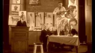 Шариков играет на балалайке.avi