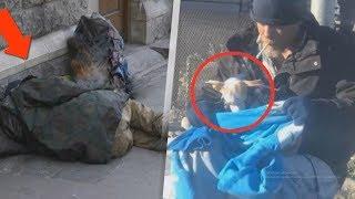 Obdachloser hält etwas in seinen Armen. Als alle sahen was es in Wirklichkeit war,Erstaunten alle😲