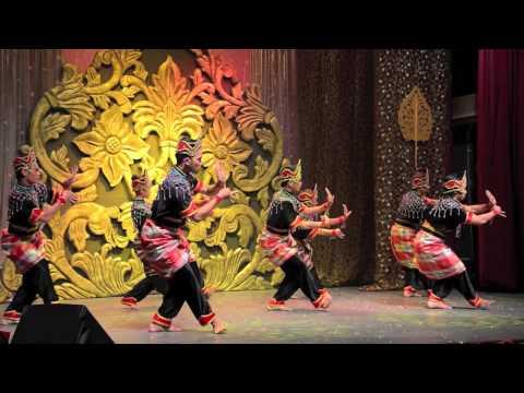 Tarian Inai @ Panggung Seni Tradisional 2013 (5)