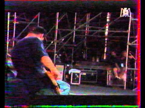 Rage Against The Machine - Bombtrack - Eurockéennes 1994