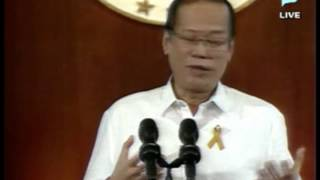 President Benigno S.  Aquino III answers the inquiries of Malacañang Press Corps