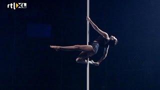 Optreden Christina - Show 2 - CELEBRITY POLE DANCING