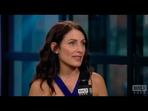 "Lisa Edelstein Discusses ""Girlfriends' Guide to Divorce"""