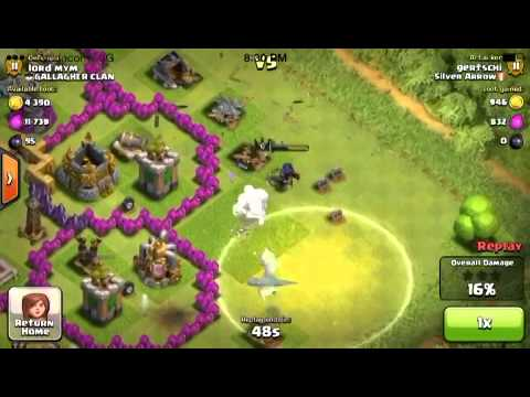 Clash of clans - Queen gets hit by own lightning spell