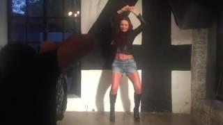 Сексуальные танцы Эвелины Бледанс