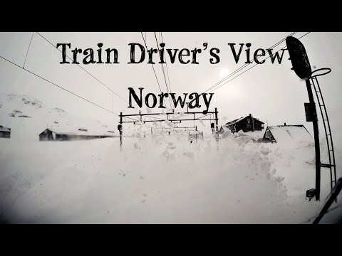 Train Drivers View: Stormy winter conditions on the mountainpass (Bergen Line, Norway)