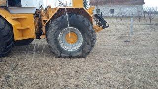 Raba Steiger defekt  / Tractor tire puncture  /  Прокол шины трактора  / Traktor panne(, 2017-03-05T13:48:51.000Z)