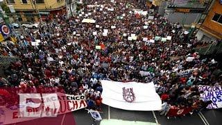 Marcha del IPN arriba a Reforma / ¿Por qué protestan estudiantes del IPN?