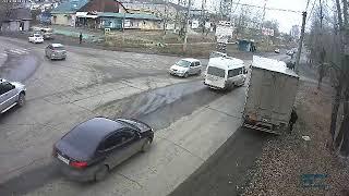 Грузовик в Усть-Куте снёс светофорный объект. Часть 2.
