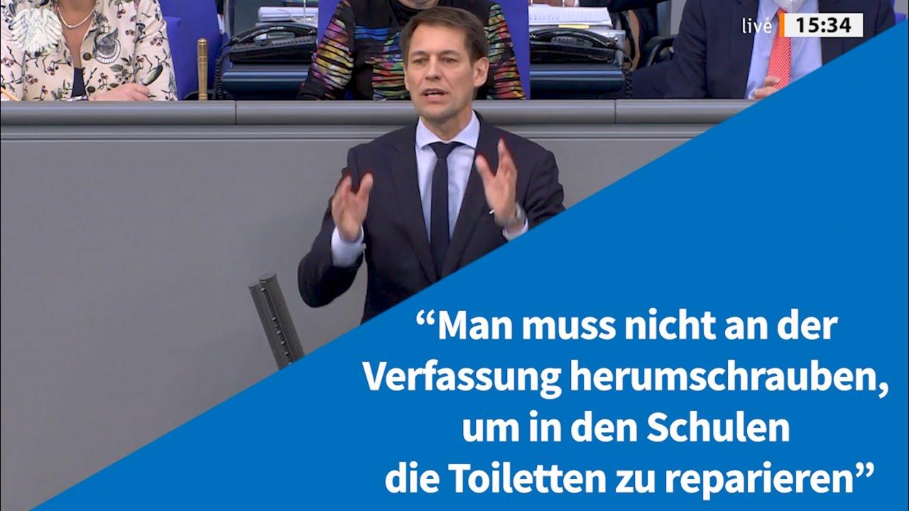 """""""Man muss nicht an der Verfassung herumschrauben, um in den Schulen die Toiletten zu reparieren"""""""