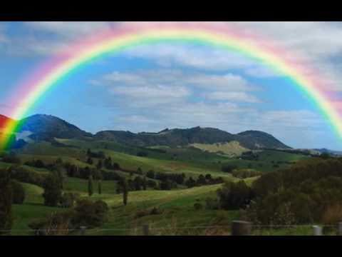 Somewhere Over The Rainbow By Israel Kamakawiwoole Youtube