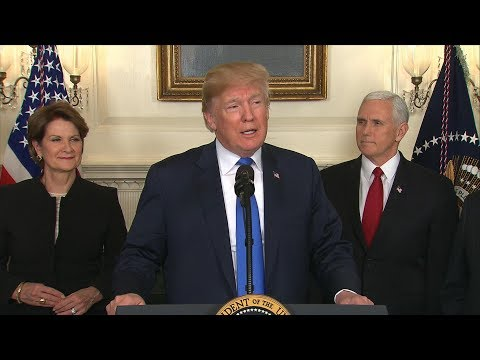 Download Youtube: Pres. Donald Trump signs a Presidential Memorandum targeting China's economic aggression | ABC News