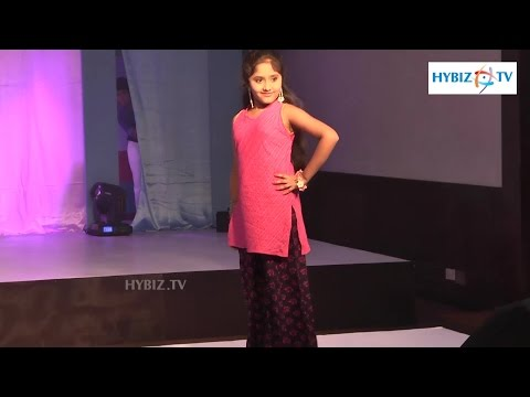 Dhruthi Singer Ramp Walk At Big Bazar-Hybiz.tv