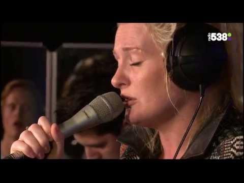 Miss Montreal - Bed Of Roses | Live bij Evers Staat Op