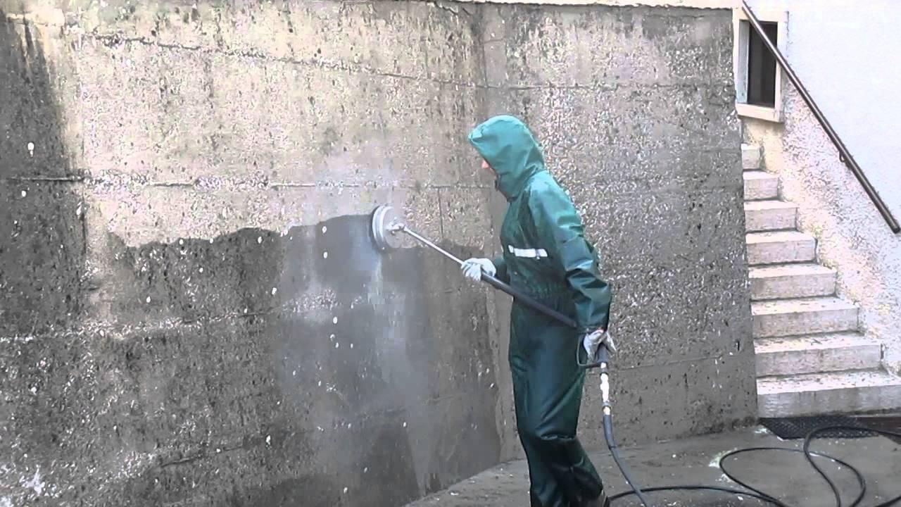 Pulizia muro di contenimento in cemento che fare youtube - Come pulire i muri esterni di casa ...