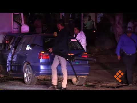 Se registra aparatoso choque en salida a Mil Cumbres; 2 muertos