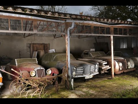 Abandoned Cars in Barns US 2016. Old Vintage Cars. Abandoned rusty cars in America.